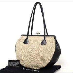 CHANEL Vintage Kisslock Shoulder Bag